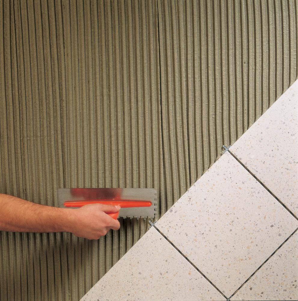Colla pavimenti boiserie in ceramica per bagno - Colla per piastrelle mapei ...